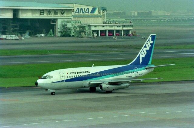kotaちゃんさんが、羽田空港で撮影したエアーニッポン 737-281の航空フォト(飛行機 写真・画像)