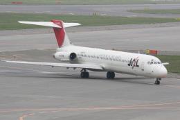 プルシアンブルーさんが、新千歳空港で撮影した日本航空 MD-87 (DC-9-87)の航空フォト(飛行機 写真・画像)