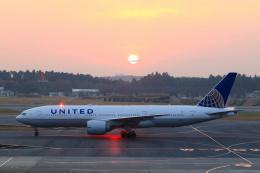 inyoさんが、成田国際空港で撮影したユナイテッド航空 777-224/ERの航空フォト(飛行機 写真・画像)