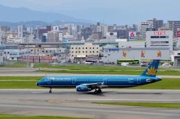 h_wajyaさんが、福岡空港で撮影したベトナム航空 A321-231の航空フォト(飛行機 写真・画像)