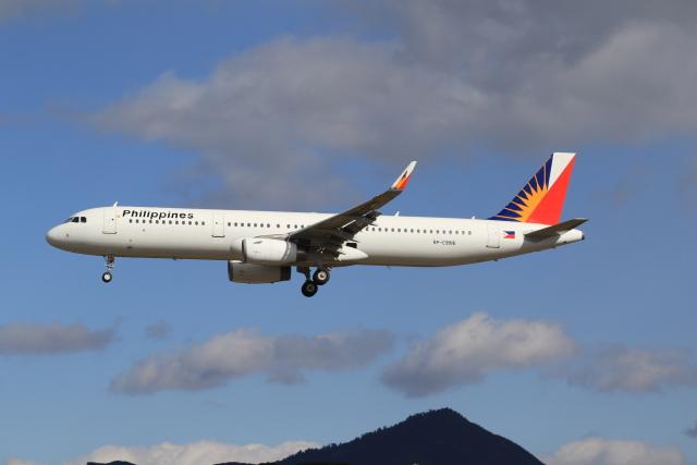 NH642さんが、福岡空港で撮影したフィリピン航空 A321-231の航空フォト(飛行機 写真・画像)