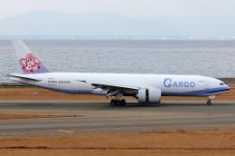SKY TEAM B-6053さんが、中部国際空港で撮影したチャイナエアライン 777-Fの航空フォト(飛行機 写真・画像)