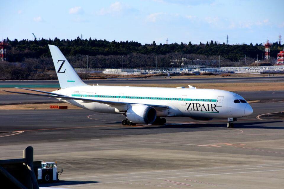まいけるさんのZIPAIR Boeing 787-8 Dreamliner (JA825J) 航空フォト