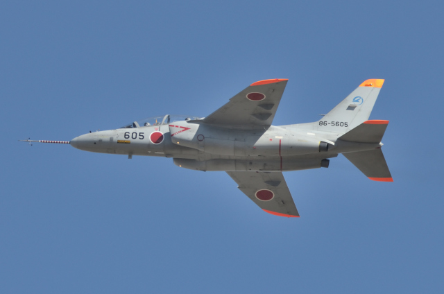 EC5Wさんが、名古屋飛行場で撮影した航空自衛隊 T-4の航空フォト(飛行機 写真・画像)