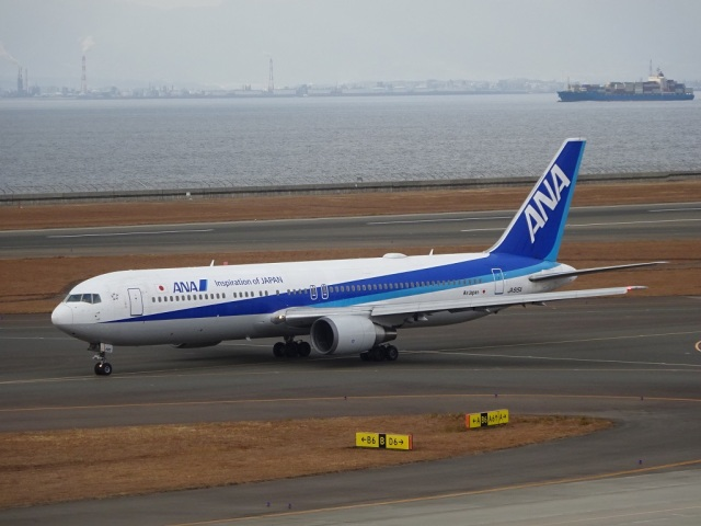 ukokkeiさんが、中部国際空港で撮影した全日空 767-381/ERの航空フォト(飛行機 写真・画像)