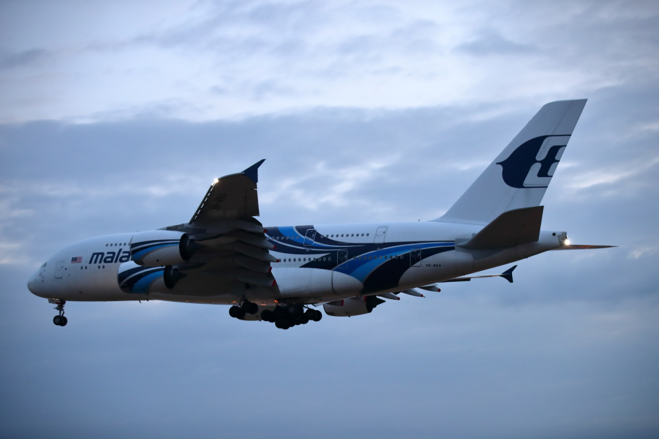 MOHICANさんのマレーシア航空 Airbus A380 (9M-MNA) 航空フォト