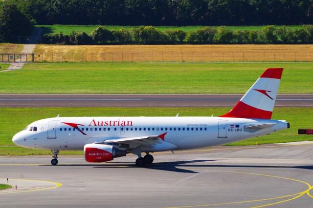 ちっとろむさんが、ウィーン国際空港で撮影したオーストリア航空 A319-112の航空フォト(飛行機 写真・画像)