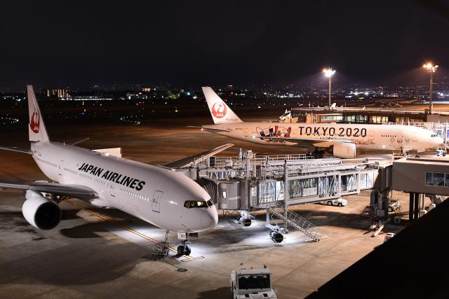 TOPAZ102さんが、伊丹空港で撮影した日本航空 777-289の航空フォト(飛行機 写真・画像)