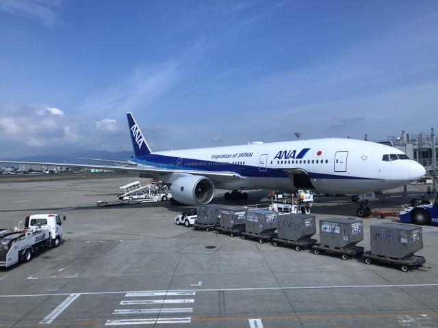 NationalOTISさんが、伊丹空港で撮影した全日空 777-281の航空フォト(飛行機 写真・画像)