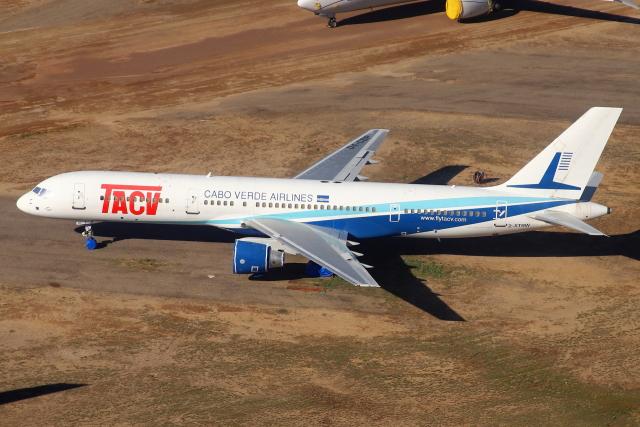 masa707さんが、フェニックス・グッドイヤー空港で撮影したTACVカーボ・ベルデ・エアラインズ 757-2Q8の航空フォト(飛行機 写真・画像)