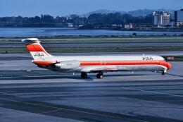 パール大山さんが、サンフランシスコ国際空港で撮影したパシフィック・サウスウエスト・エアラインズ MD-81 (DC-9-81)の航空フォト(飛行機 写真・画像)