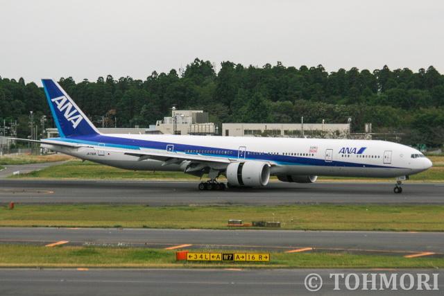遠森一郎さんが、成田国際空港で撮影した全日空 777-381/ERの航空フォト(飛行機 写真・画像)
