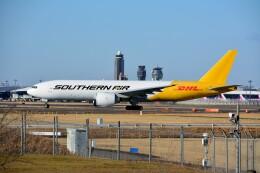 ちかぼーさんが、成田国際空港で撮影したサザン・エア 777-FZBの航空フォト(飛行機 写真・画像)
