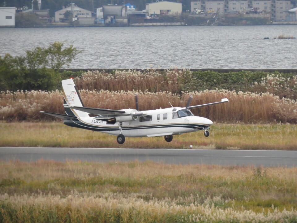 F.YUKIHIDEさんの日本個人所有 Gulfstream Aerospace 690/695 Jetprop (JA8600) 航空フォト