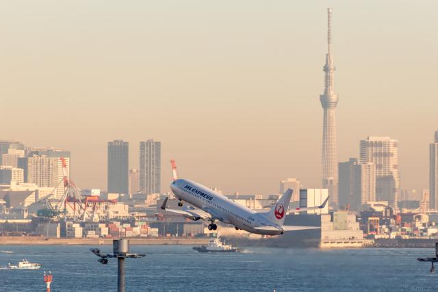 Y-Kenzoさんが、羽田空港で撮影したJALエクスプレス 737-846の航空フォト(飛行機 写真・画像)