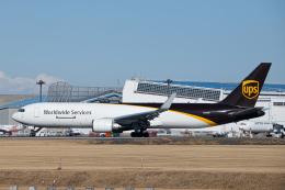 SGR RT 改さんが、成田国際空港で撮影したUPS航空 767-34AF/ERの航空フォト(飛行機 写真・画像)