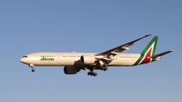 raichanさんが、成田国際空港で撮影したアリタリア航空 777-3Q8/ERの航空フォト(飛行機 写真・画像)