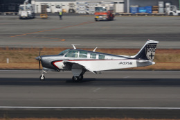 神宮寺ももさんが、高松空港で撮影した日本個人所有 A36 Bonanza 36の航空フォト(飛行機 写真・画像)