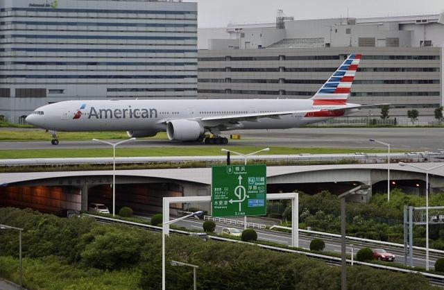 flying_horseさんが、羽田空港で撮影したアメリカン航空 777-323/ERの航空フォト(飛行機 写真・画像)