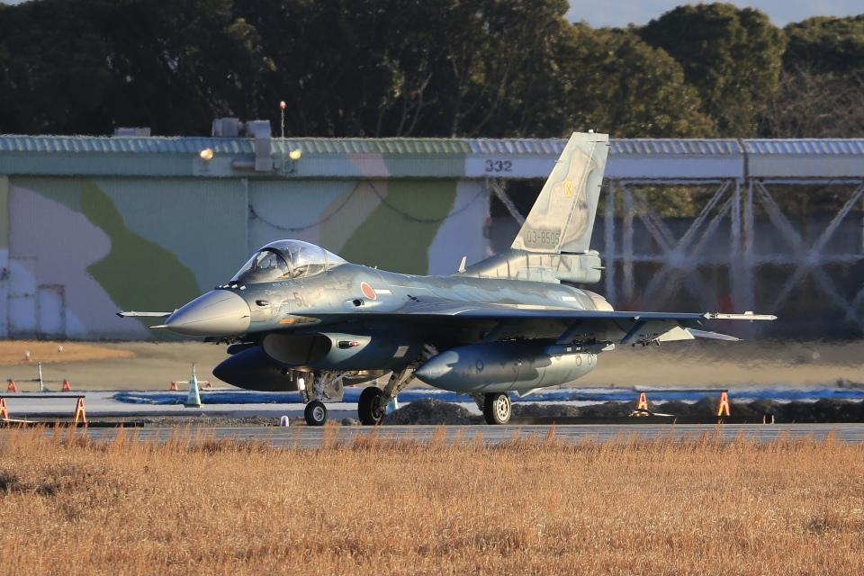 aki241012さんの航空自衛隊 Mitsubishi F-2A (03-8505) 航空フォト