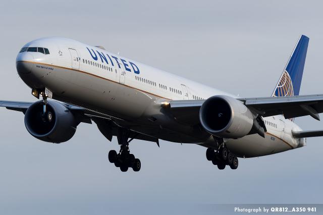kina309さんが、成田国際空港で撮影したユナイテッド航空 777-322/ERの航空フォト(飛行機 写真・画像)