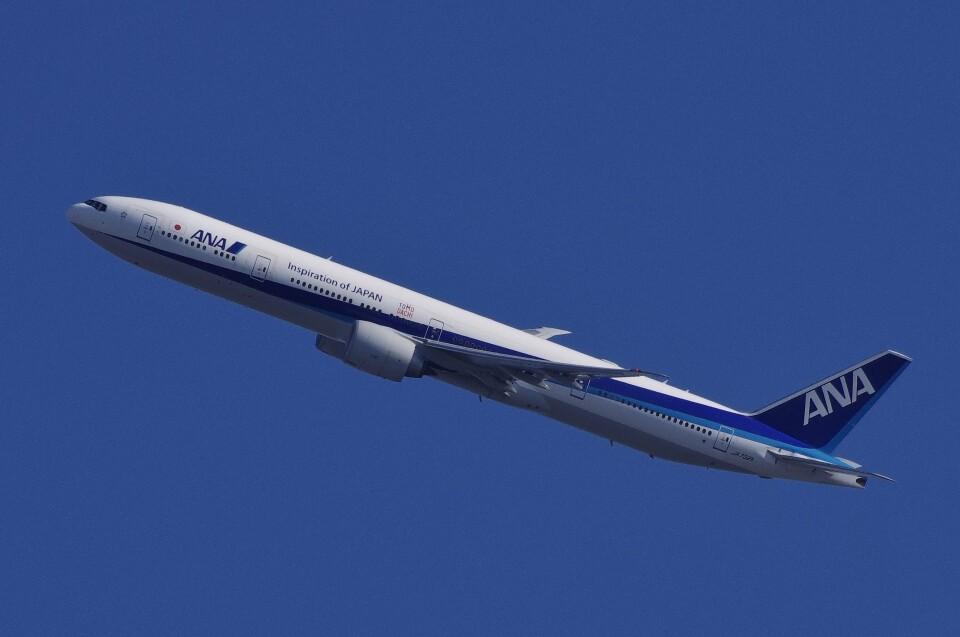 mild lifeさんの全日空 Boeing 777-300 (JA732A) 航空フォト