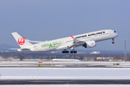YouKeyさんが、新千歳空港で撮影した日本航空 A350-941の航空フォト(飛行機 写真・画像)