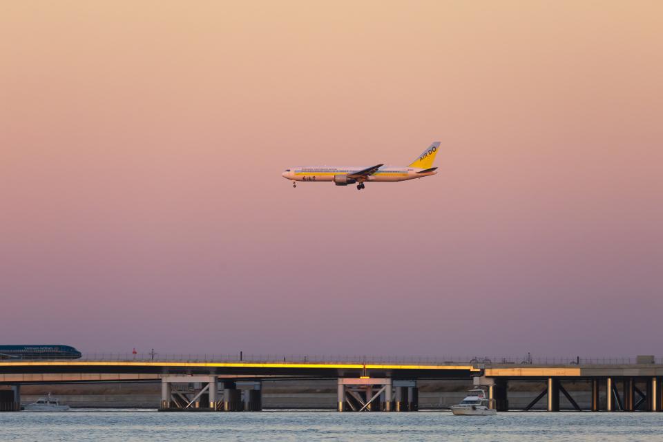 mameshibaさんのAIR DO Boeing 767-300 (JA98AD) 航空フォト