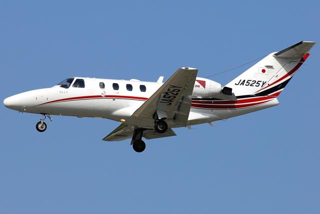 jun☆さんが、福岡空港で撮影した読売新聞 525A Citation CJ1の航空フォト(飛行機 写真・画像)