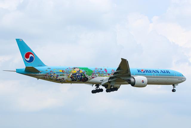 SGR RT 改さんが、成田国際空港で撮影した大韓航空 777-3B5/ERの航空フォト(飛行機 写真・画像)