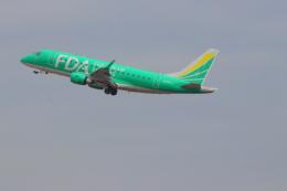 みのフォトグラファさんが、名古屋飛行場で撮影したフジドリームエアラインズ ERJ-170-100 SU (ERJ-170SU)の航空フォト(飛行機 写真・画像)