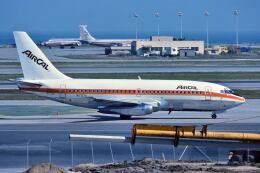 パール大山さんが、サンフランシスコ国際空港で撮影したエアカル 737-297の航空フォト(飛行機 写真・画像)