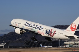 Fly Yokotayaさんが、伊丹空港で撮影した日本航空 777-246の航空フォト(飛行機 写真・画像)