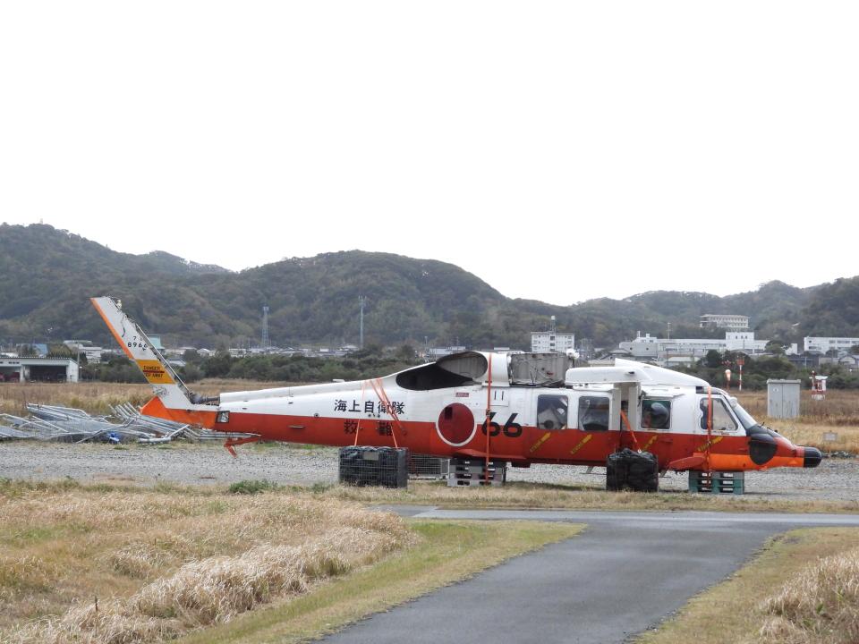 hansvandamさんの海上自衛隊 Mitsubishi UH-60J (8966) 航空フォト