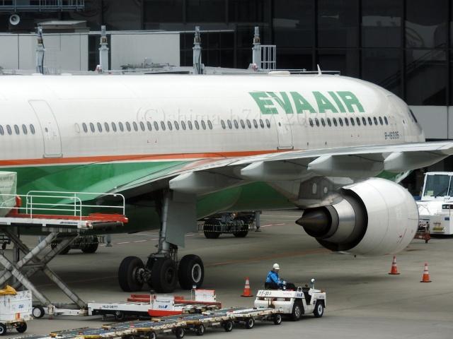 しまb747さんが、成田国際空港で撮影したエバー航空 A330-302の航空フォト(飛行機 写真・画像)