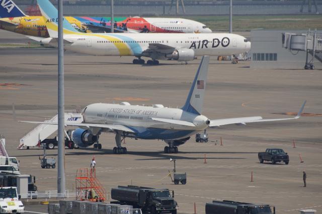 神宮寺ももさんが、羽田空港で撮影したアメリカ空軍 757-2Q8の航空フォト(飛行機 写真・画像)