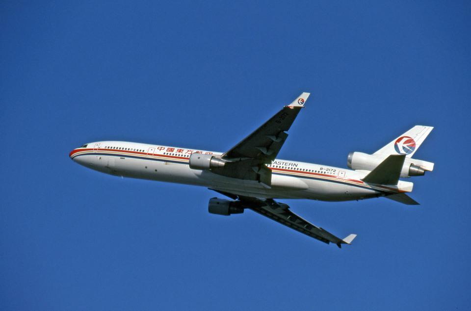 Gambardierさんの中国東方航空 McDonnell Douglas MD-11 (B-2172) 航空フォト