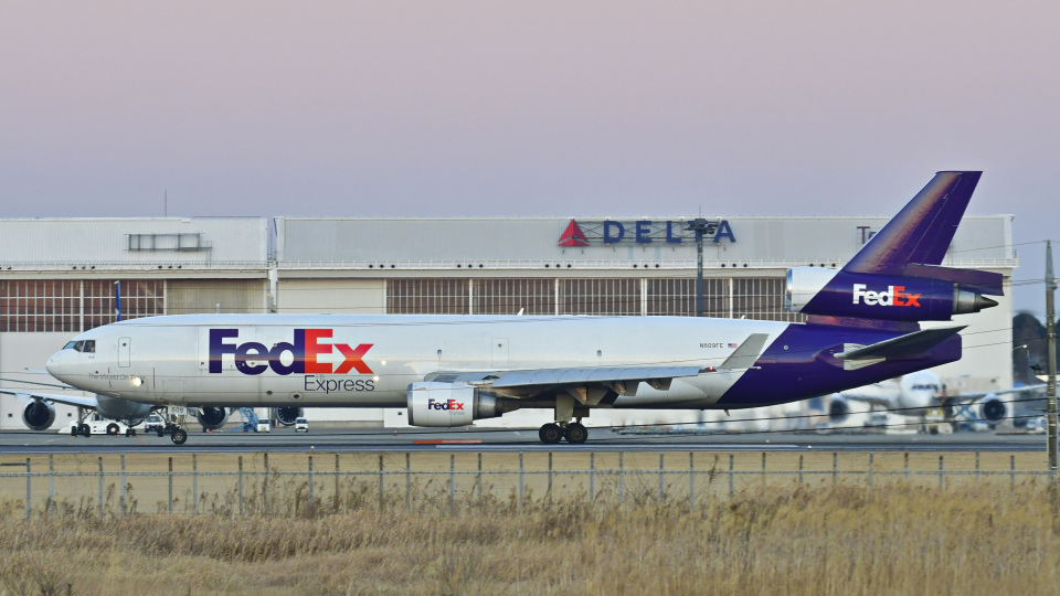 パンダさんのフェデックス・エクスプレス McDonnell Douglas MD-11 (N609FE) 航空フォト