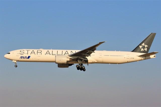 みるぽんたさんが、成田国際空港で撮影した全日空 777-381/ERの航空フォト(飛行機 写真・画像)