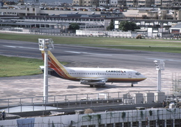 goshiさんが、啓徳空港で撮影したカンボジア・インターナショナル・エアラインズ 737-2E1の航空フォト(飛行機 写真・画像)