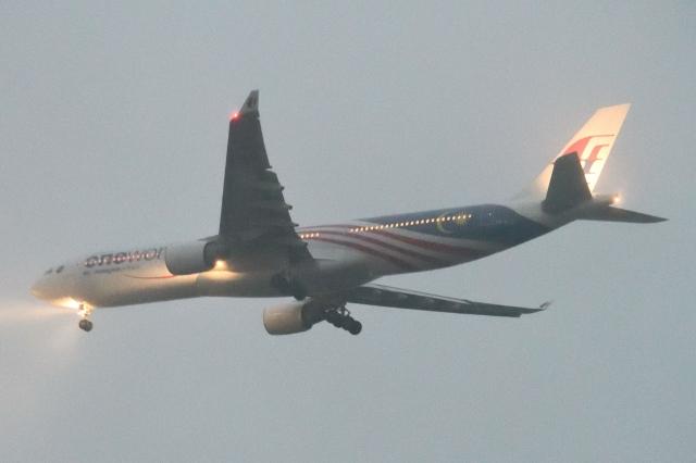 木人さんが、成田国際空港で撮影したマレーシア航空 A330-323Xの航空フォト(飛行機 写真・画像)