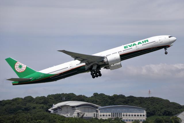 MOHICANさんが、福岡空港で撮影したエバー航空 777-36N/ERの航空フォト(飛行機 写真・画像)