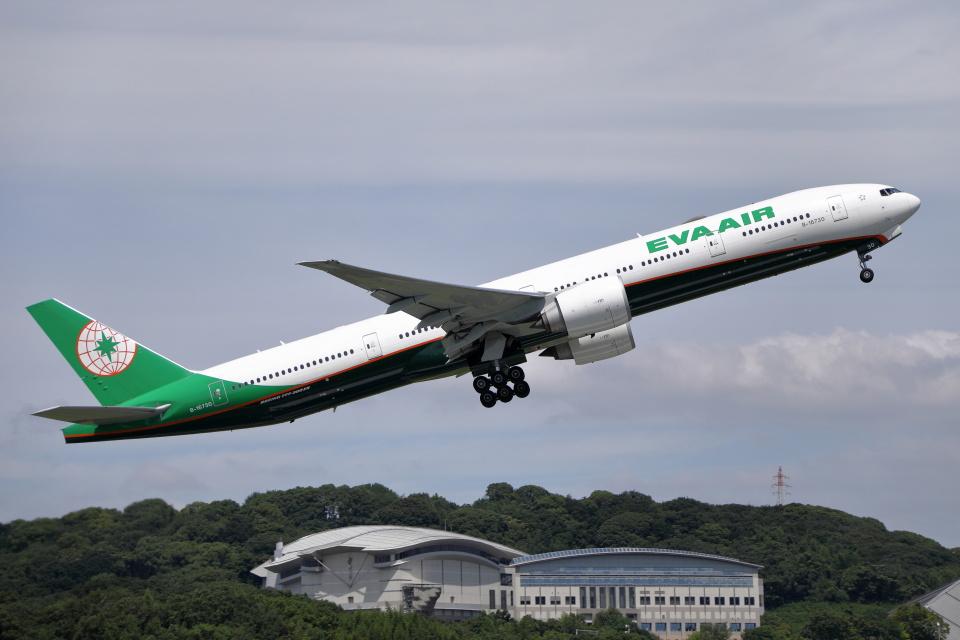 MOHICANさんのエバー航空 Boeing 777-300 (B-16730) 航空フォト