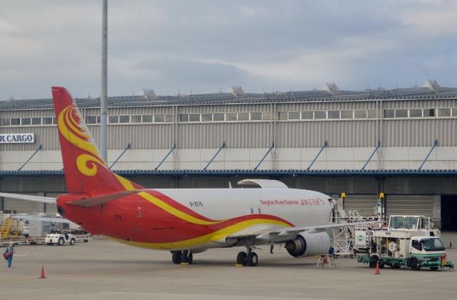 h_wajyaさんが、関西国際空港で撮影した揚子江快運航空 737-44P(SF)の航空フォト(飛行機 写真・画像)