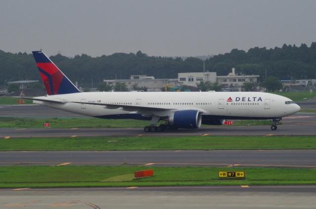tasho0525さんが、成田国際空港で撮影したデルタ航空 777-232/LRの航空フォト(飛行機 写真・画像)