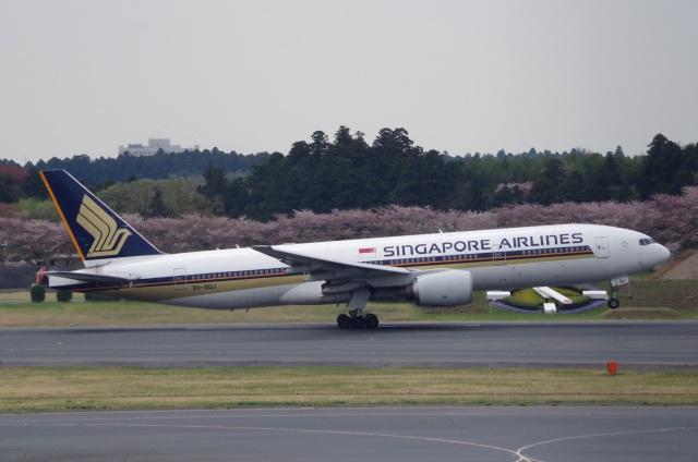 tasho0525さんが、成田国際空港で撮影したシンガポール航空 777-212/ERの航空フォト(飛行機 写真・画像)