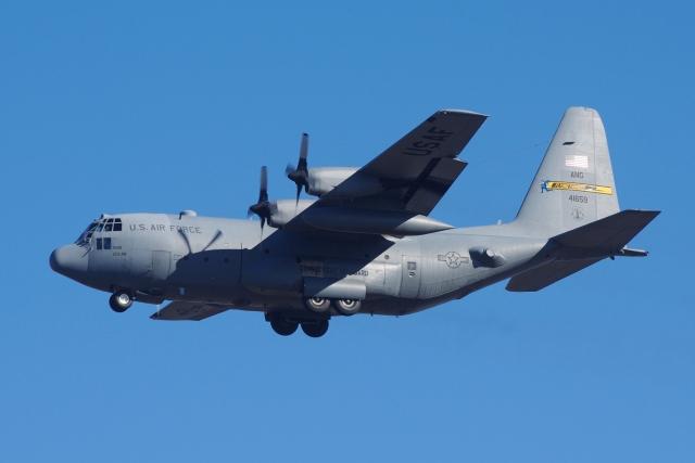 zettaishinさんが、ブラッドレー国際空港で撮影したアメリカ空軍 C-130H Herculesの航空フォト(飛行機 写真・画像)