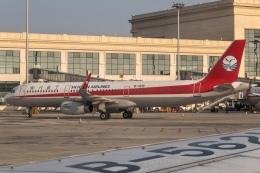 让开我先飞さんが、ハルビン太平国際空港で撮影した四川航空 A321-231の航空フォト(飛行機 写真・画像)