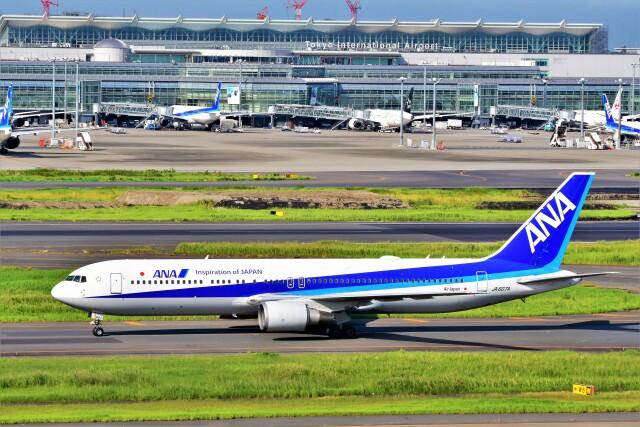 Hiro Satoさんが、羽田空港で撮影した全日空 767-381/ERの航空フォト(飛行機 写真・画像)