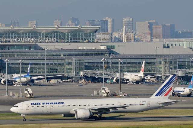 h_wajyaさんが、羽田空港で撮影したエールフランス航空 777-328/ERの航空フォト(飛行機 写真・画像)